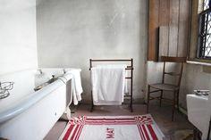Hardwick Hall, A very austere bathroom