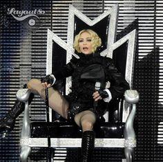 Madonna Louise Veronica Ciccone ou simplesmente MADONNA, completa hoje 54 anos.  Reconhecida como a artista musical feminina mais bem sucedida de todos os tempos  e considerada uma das 25 mulheres mais poderosas do século passado por ser uma figura influente na música contemporânea.  Parabéns a Rainha do Pop.