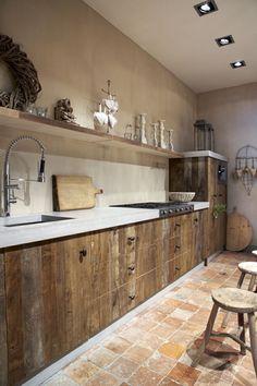 47 Beautiful Wooden Kitchen Cupboards Design Ideas For Comfortable Kitchen Kitchen Cupboard Designs, Farmhouse Kitchen Cabinets, Modern Farmhouse Kitchens, Kitchen Cupboards, Home Kitchens, Wood Cabinets, Rustic Farmhouse, Wooden Kitchens, Rustic Cottage