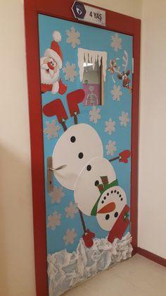 Christmas Classroom Door, Office Christmas Decorations, Diy Felt Christmas Tree, Christmas Arts And Crafts, Doors, School Doors, Christmas Decor, Bedroom Decoration Items, Creative Activities For Kids