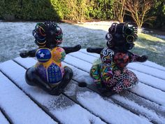 [AROUND THE WORLD] Chichi in Holland #chichicuracao #Netherland #snow Chi Chi, Holland, Art Pieces, Around The Worlds, Hand Painted, Snow, Handmade, Color, The Nederlands