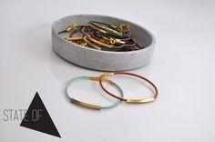 Armbänder - Leder Armband Tube Geometrisch minimalistisch  - ein Designerstück von State-of-A bei DaWanda