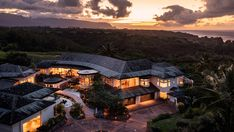 Inside a $15 Million Hawaiian Retreat With 22-Car Garage – Robb Report