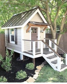 63.6k Followers, 1,033 Following, 229 Posts - See Instagram photos and videos from holly | our faux farmhouse (@ourfauxfarmhouse) #kidsplayhouseplans