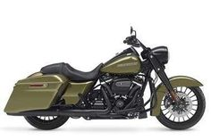 Harley-Davidson Road King Special studio right-side view