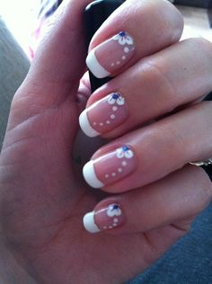 Give your French manicure a unique look by adding different nail art and effects. Take a look at these gorgeous white tip nails designs for inspiration! French Manicure Nails, French Manicure Designs, French Tip Nails, Diy Nails, French Pedicure, Manicure Ideas, Fancy Nails, Trendy Nails, Cute Nails