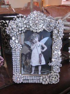 Vintage Brooch Frame