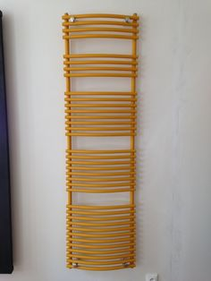 Imperial Bath Round: Bathroom ladder in various colours, chrome or as white radiator. Available as central heating radiator, electric radiator or dual fuel radiator. Practical bathroom radiator. Available with regulators or valve sets. Delivery: 4 weeks.