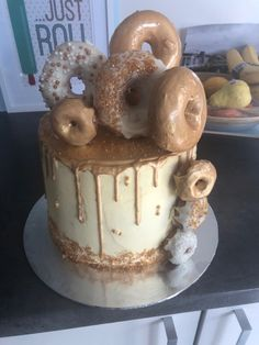Donuts, Cakes, Desserts, Food, Frost Donuts, Tailgate Desserts, Deserts, Beignets, Cake Makers