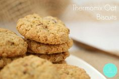 Quick, easy and delicious - our Thermomix Oat Biscuits tick all the right boxes! Unique Recipes, Vegan Recipes Easy, Diabetic Recipes, Chocolate Oat Cookies, Chocolate Chip Oatmeal, White Chocolate, Monster Cookie Bars, Sprinkle Cookies, Food Items