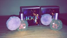 Moonlight Eau de Parfum by Ariana Grande opens with black currant and juicy plum, drying down to sandalwood, black amber and sensual vanilla. Ari Perfume, Perfume Bottles, Ariana Merch, Ariana Grande Fragrance, Celebrity Perfume, Black Currants, Vintage Perfume, Moonlight, Give It To Me