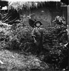 Poor woman from Taiwan (Formosa) without bound feet, which allowed her to work in the fields. (John Thomson)