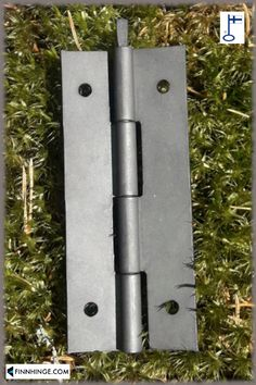 Manganese phosphated hinge with a removable pin. Size: 100 x 42 mm. Find out more about this one and other hardware models in our webshop! Types Of Hinges, Gate Hinges, Door Handles, How To Remove, Hardware, Doors, Models, Canning, Door Hinges