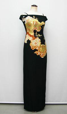 KIMONO文珠庵 Fashion Sewing, Kimono Fashion, Fashion Dresses, Kimono Fabric, Kimono Dress, Social Dresses, One Piece Dress, Yukata, Japanese Fashion