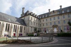 TAPISSERIE DE BAYEUX Louvre, Mansions, House Styles, Building, Travel, Home Decor, Viajes, Decoration Home, Room Decor