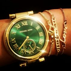 Green Michael Kors Skylar I was soooo close to buying this gorgeous emerald green mk watch! It will forever haunt me
