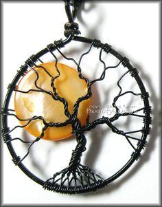 A spooky twist on the Tree of Life Pendant! LOVE IT! #wirework #halloween #jewelry