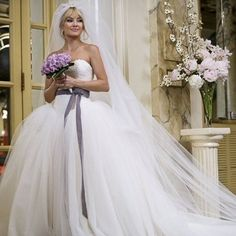 The best fictional wedding dresses EVER. How about Kate Hudson wearing Vera Wang in Bride Wars? www.handbag.com