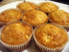 Rețetă Desert : Briose cu mere si scortisoara de Oana11 Baby Food Recipes, Cookie Recipes, Dessert Recipes, No Cook Desserts, Delicious Desserts, Food Cakes, Cupcake Cakes, Cupcakes, Good Food