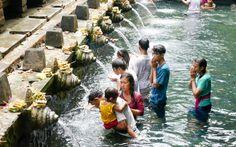 Pura Tirta Empul, Tempel auf Bali © Gudrun Krinzinger Best Of Bali, Hotels, Strand, Last Minute Vacation, Bali Holiday Deals, Temples, Landscape