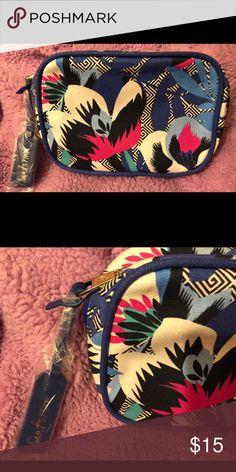 Estee Lauder Makeup Bag Flower medium Makeup Bag. New! Makeup Brushes & Tools