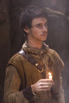 Will Scarlet from the BBC Robin Hood. Between him, Jonas Armstrong, and Joe Armstrong, there's some serious eye candy going on in Robin Hood! Harry Lloyd, Jonas Armstrong, Will Scarlet, Robin Hood Bbc, Bbc Tv Series, Village People, Wattpad, Archetypes, Favorite Tv Shows