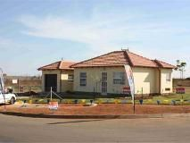 2 Bedroom House for sale in Bram Fischerville, Soweto R 495500 Web Reference: P24-101242905 : Property24.com