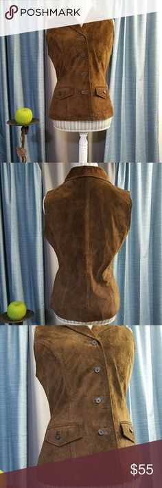 🌻🌺🌻HAROLD'S VINTAGE 100% LEATHER VEST!! SIZE:medium   BRAND:Harold's   CONDITION:like new, no flaws    COLOR:dark brown (best seen in last photo)   🌟POSH AMBASSADOR, BUY WITH CONFIDENCE!   🌟CHECK OUT MY OTHER ITEMS TO BUNDLE AND SAVE ON SHIPPING!   🌟OFFERS WELCOME!   🌟FAST SHIPPING! Vintage Jackets & Coats Vests