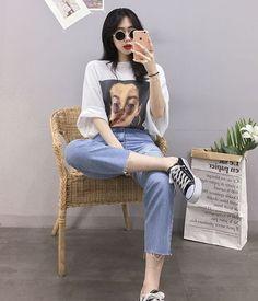 street korean fashion that looks fab Korean Girl Fashion, Korean Fashion Trends, Ulzzang Fashion, Korean Street Fashion, Korea Fashion, Asian Fashion, Trendy Fashion, Korean Outfits, Trendy Outfits