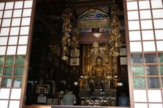 https://flic.kr/p/URRuDf | Amitabha, or one who possesses immeasurable light. | Enshrined in a Buddhist temple located in west of central Tokyo.