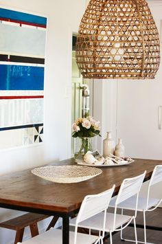 beach-style-home-tour-emirali-dining-area