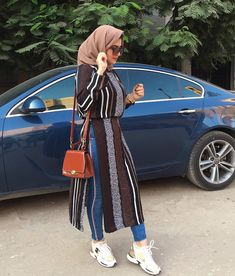 ZAFUL offers a wide selection of trendy fashion style women's clothing. Affordable prices on new tops, dresses, outerwear and more. Casual Chic Outfits, Hijab Casual, Hijab Chic, Hijab Fashion Summer, Modern Hijab Fashion, Street Hijab Fashion, Muslim Fashion, Modest Fashion, Mode Outfits