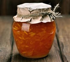 Zero Waste Tips for cleaning and reusing old glass jars - Homemade Sweets, Homemade Candles, My Recipes, Cooking Recipes, Vegetarian Recipes, Canning Salsa, Small Potted Plants, Elderberry Syrup, Best Shakes