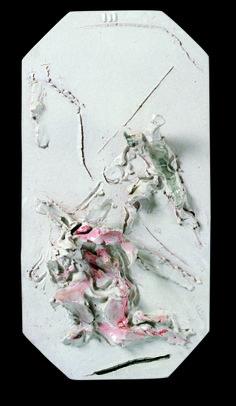 Lucio Fontana, Via Crucis Bianca, III Stazione: Gesù cade la prima volta, ceramica smaltata