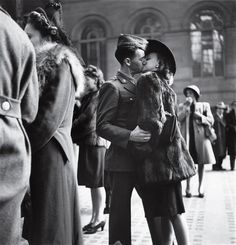 Kissing her soldier WWII