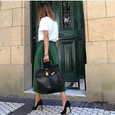 """1,040 mentions J'aime, 13 commentaires - Fashion❤️Trends (@luxstreetstyle_fashion) sur Instagram : """"Stylish @olaizolav via @milano_streetstyle Check out my link in bio and use coupon code """"mismi""""…"""""""