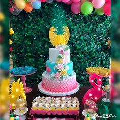 More decorating ideas on albums: Flamingo Party 1 Flamingo Party 2 Bolos Pool Party, Pool Party Cakes, Luau Cakes, Hawaiian Birthday, Luau Birthday, Birthday Parties, Birthday Ideas, Birthday Cake, Flamingo Cake