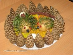 Imagine similară Projects For Kids, Crafts For Kids, Ag Day, Pine Cone Crafts, Autumn Art, Pine Cones, Fruit, Fall, Christmas