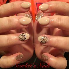 Light elegance nude with attitude champagne glitter gel mandala nude gel nails #scarlettsnails