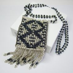 With Art Deco inspired pieces making a full come back......design your own using the bead loom