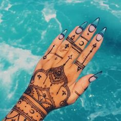 49 Beautiful Henna Tattoo Designs For Girls To Try At least Once - Torturein Egypt Henna Tattoo Hand, Henna Tattoo Designs, Henna Art, Mehndi Designs, Arm Tattoo, Nail Designs, Mandala Tattoo, Tribal Henna Designs, Tribal Hand Tattoos