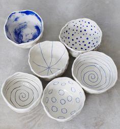 Porcelain Pinch Bowls - Set of 6 Ready to Ship de btwceramics en Etsy https://www.etsy.com/es/listing/186662160/porcelain-pinch-bowls-set-of-6-ready-to
