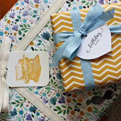 Modern floral and geometric gift wrap + letterpress gift tags from Bespoke Letterpress. Elegant Gift Wrapping, Gift Wrapping Bows, Birthday Gift Wrapping, Creative Gift Wrapping, Christmas Gift Wrapping, Creative Gifts, Christmas Gifts, Wrapping Ideas, Birthday Presents