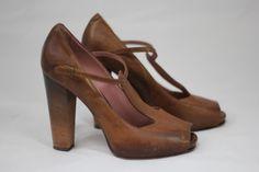 Derek Lam leather heel size 8 #DerekLam #Tstrapheel #urbanitystyle #consignment