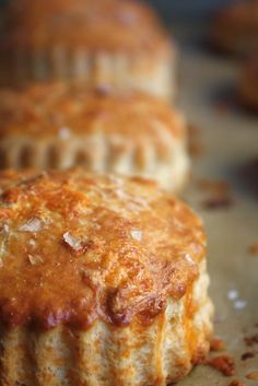 Buttermilk Cheddar Biscuits & A Giveaway - Blue-Eyed Bakers - Blue Eyed Bakers Muffins, Cheddar Biscuits, Cheese Biscuits, Buttermilk Biscuits, Cheddar Cheese, Bread Recipes, Cooking Recipes, Biscuit Recipe, Sweet Bread