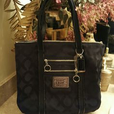 NewAuthentic Black coach poppy!!! Nice  black coach bag Coach Bags Shoulder Bags