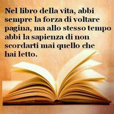voltare pagina #antonellaramilloi Love Me Quotes, Book Quotes, Verona, Italian Quotes, Totally Me, Writing A Book, Book Publishing, Sentences, Wise Words
