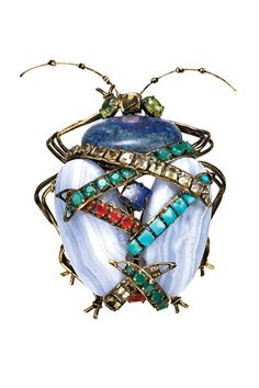 iradj Moini has designed jewelry in New York since 1989. His jewelry was exhibited at the Metropolitan Museum of Art in 2006 as part of Iris Apfel's collection.Formerly a jewelry designer for Oscar De La Renta, and with a background in architecture, Iradj's handmade jewelry is exhibited and collected worldwide.