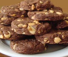 Soft cocoa and hazelnut biscuits - Maria Grazia& recipes - cookies und kekse - Italian Christmas Cookies, Christmas Deserts, Italian Cookies, Small Desserts, Cookie Desserts, Cookie Recipes, Dessert Recipes, Italian Pastries, Italian Desserts
