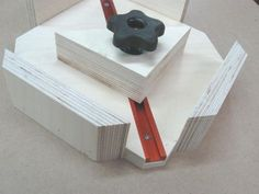 42 Shopmade Miter Clamps #woodworkingtools